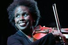Jazz violinist and singer Nicole Yarling