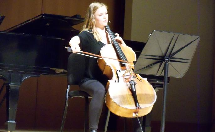 Concerto Competition winner Brynn Dally, cellist